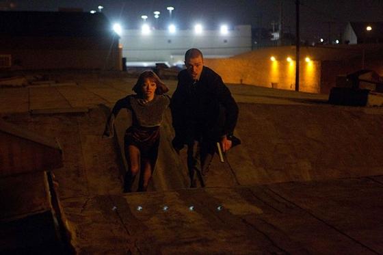 In Time / Justin Timberlake & Amanda Seyfried