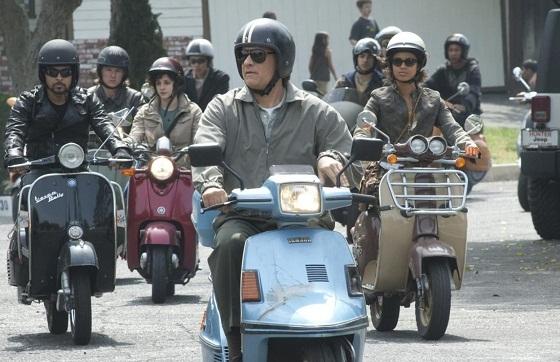 Larry Crowne - Tom Hanks en su scooter