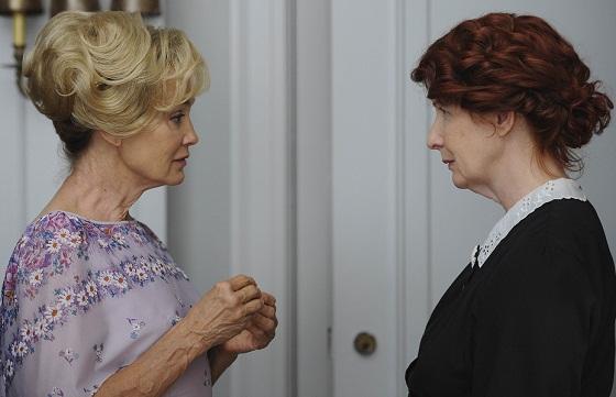 Jessica Lange (izquierda) y Frances Conroy en American Horror Story