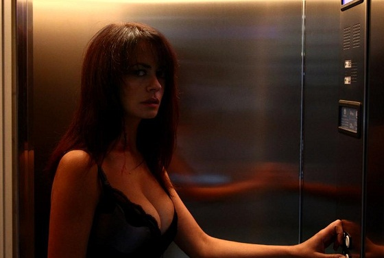 Maria Grazia Cucinotta en Transgression