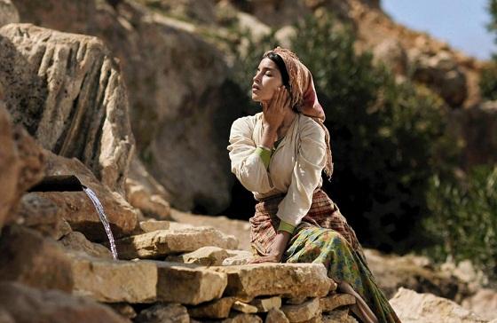 La Fuente de las Mujeres - Leïla Bekhti
