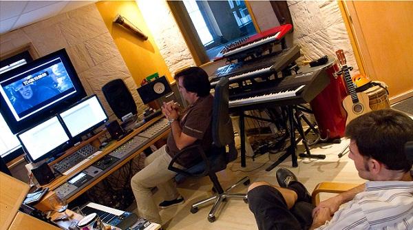 Eduardo molinero, en su estudio