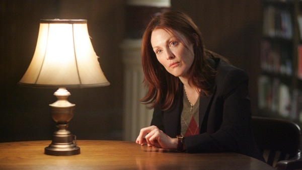 Julianne Moore en La Sombra de los Otros