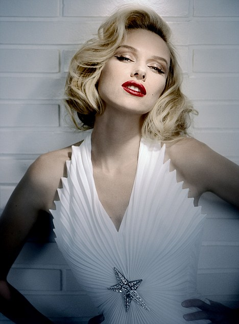 Naomi Watts como Marilyn Monroe
