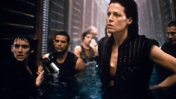 Alien Resurrection / Sigourney Weaver and Winona Ryder