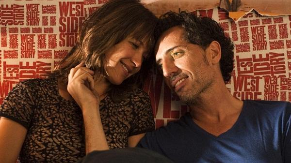 Gad Elmaleh y Sophie Marceau en La Felicidad Nunca Viene Sola