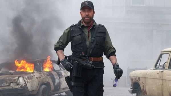 Chuck Norris en Los Mercenarios 2