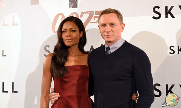 Skyfall / Naomie Harris and Daniel Craig