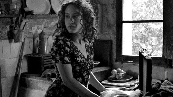 Aida Folch en El Artista y la Modelo