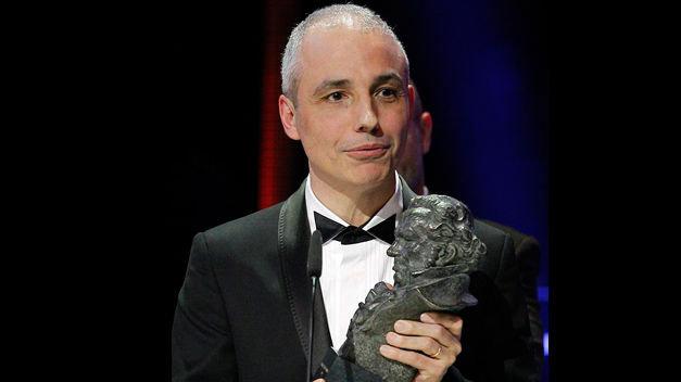 Pablo Berger con su Goya a mejor película por Blancanieves
