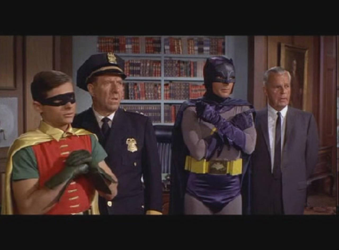 05 batman poli y alcalde