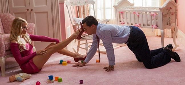Margot Robbie y Leonardo DiCaprio en El lobo de Wall Street
