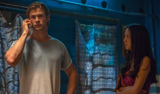 Chris Hemsworth y Tai Weng en Blackhat