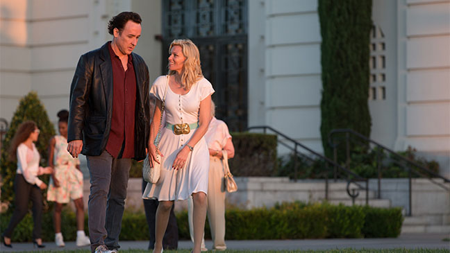 John Cusack y Elizabeth Banks en Love and Mercy