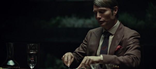 Mads Mikkelsen como Hannibal