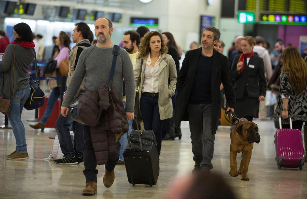 Los protagonistas en el aeropuerto