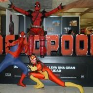 Deadpool, Spiderman y Spider-Woman