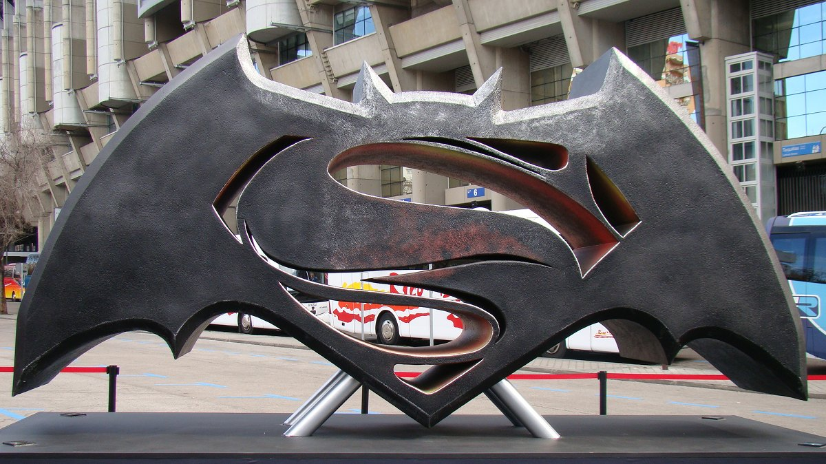 Estatua Batman v Superman
