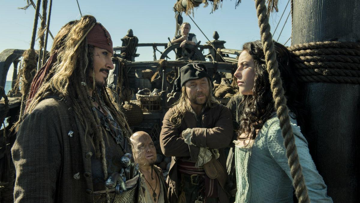 Kaya Scodelario y Johnny Depp