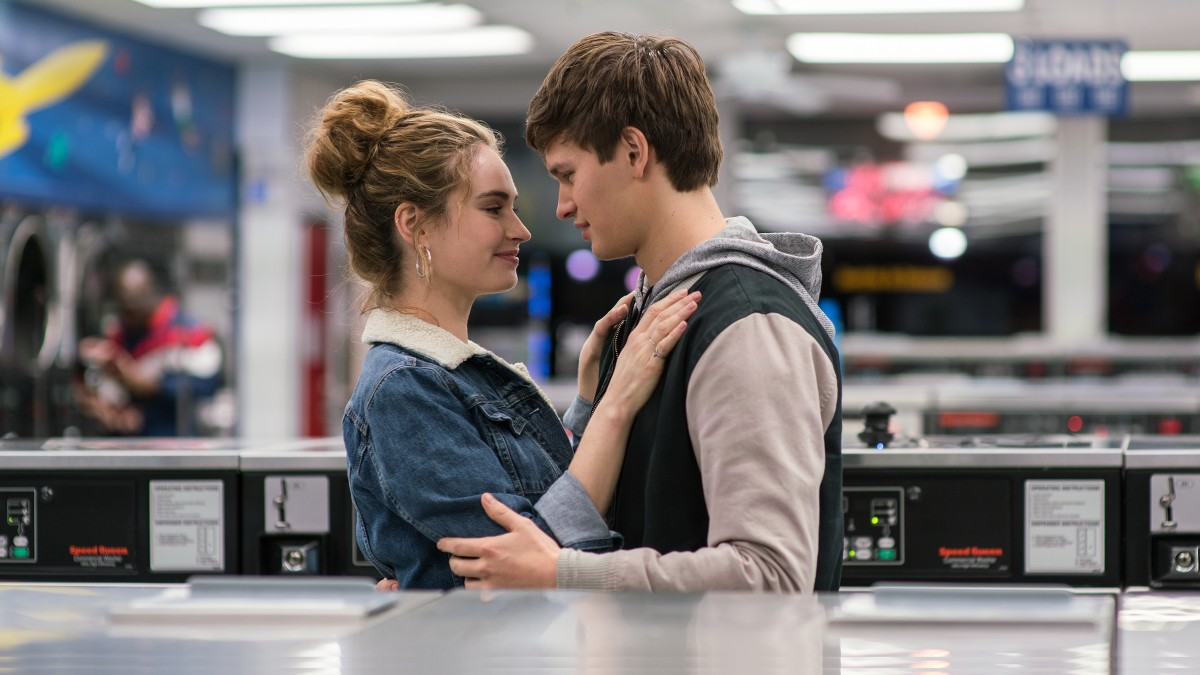 Lily James y Ansel Elgort