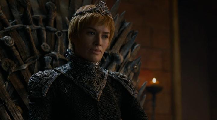 Cersei sentada en el Trono de Hierro en un fotograma del primer episodio de la séptima temporada de Juego de Tronos