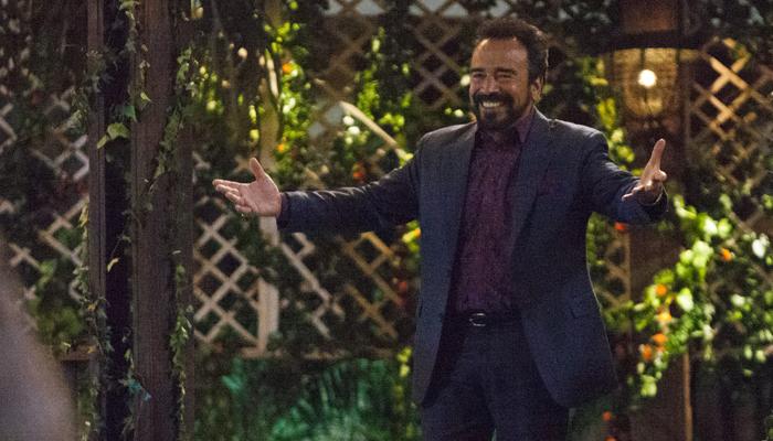 Damián Alcazar en la tercera temporada de Narcos