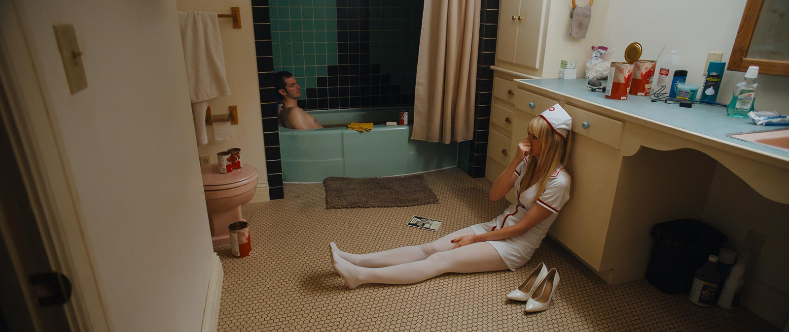 Andrew Garfield y Riki Lindhome