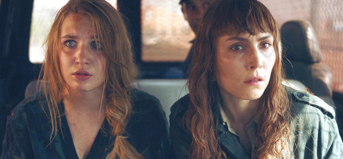Noomi Rapace y Sophie Nélisse