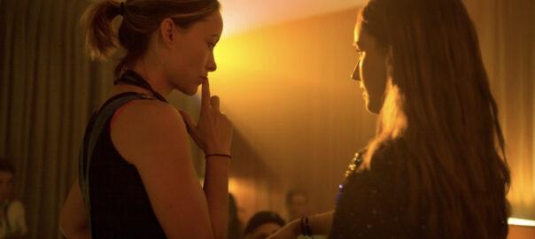 Olivia Wilde y Kaitlyn Dever
